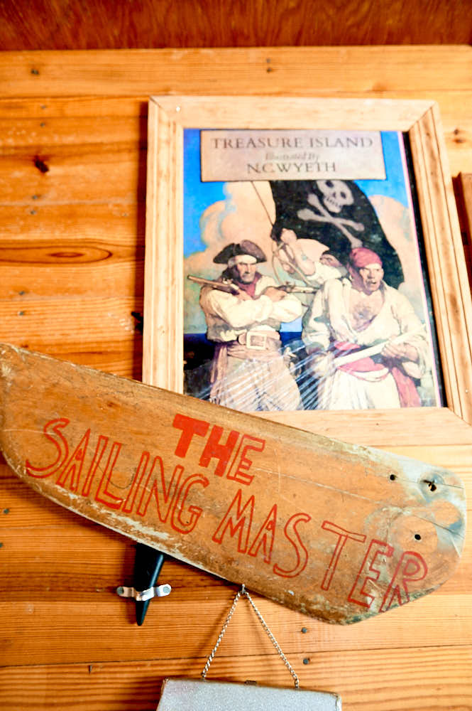 Boat oar, decor at Camp Sea Gull
